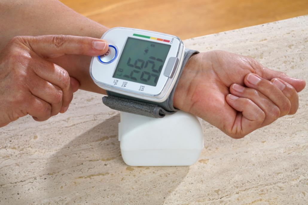Blutdruck und Gewicht aufzeichnen und auswerten